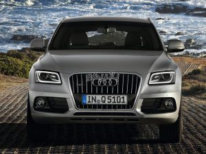 Audi Q5 1 300x225 باتری آئودی Q5
